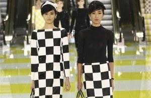 zdroj: http://ona.idnes.cz/jak-nosit-kostkovane-saty-modni-trendy-jaro-2013-fql-/modni-trendy.aspx?c=A130304_041031_modni-trendy_sck