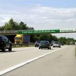Kooperativa apeluje na řidiče brutálními reklamními bannery I.