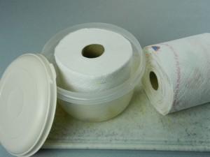 polovina papírových ubrousků