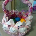 Velikonoční věnec vyrobený z látek