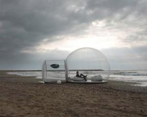 nafukovací koule u moře
