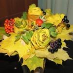 Podzimní dekorace z javorových listů