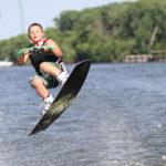 Adrenalinové vodní sporty, které frčí